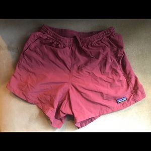 Patagonia baggies shorts in burgundy